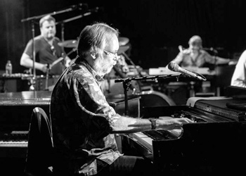 Interview with legendary keyboard player Jim Cox